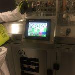 Elektronický displej zobrazuje aktuální hodnoty během procesu zpracování infekčního odpadu
