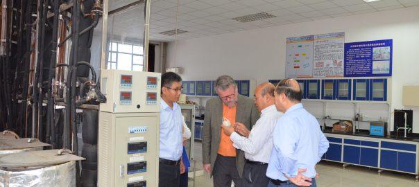 Profesor Jiří Klemeš s čínskými vědci