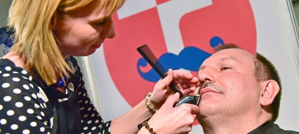 Děkan Jaroslav Katolický si knírek nechal oholit bezmála po 30 letech